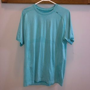 Men's Lululemon teal t-shirt